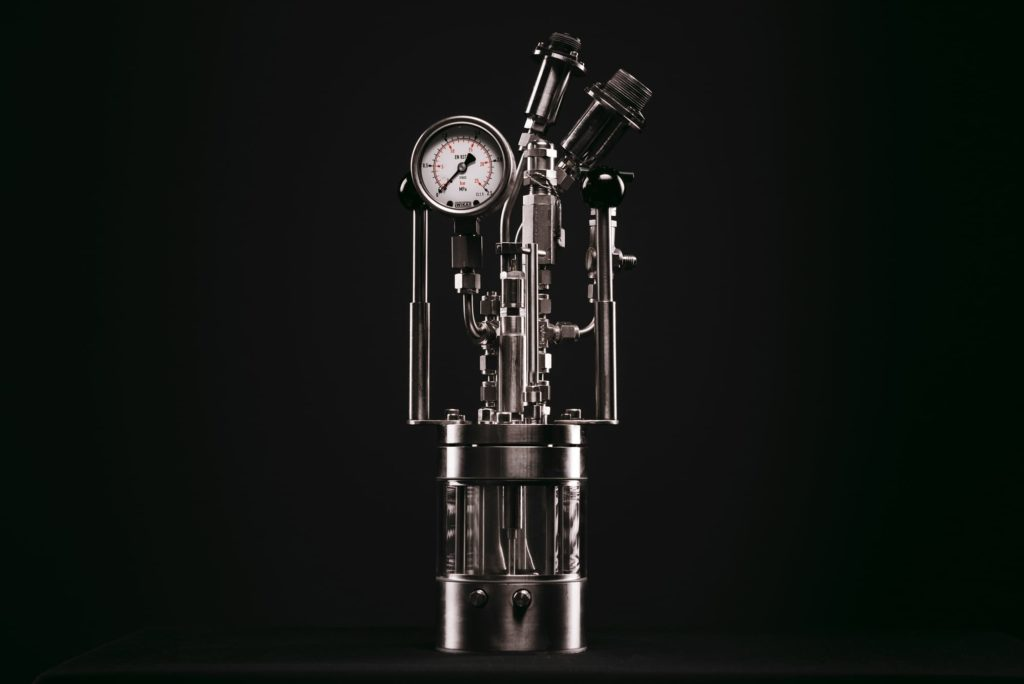 A photograph of the Chemisens Calorimeter Reactor Unit